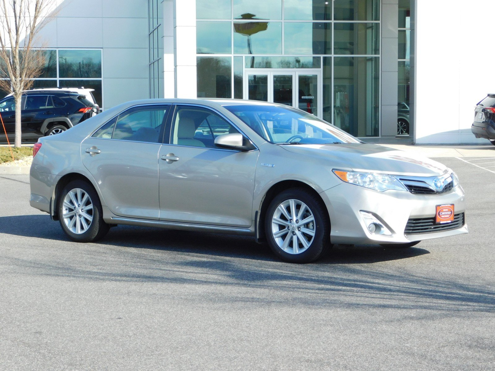 Certified Pre-Owned 2014 Toyota Camry Hybrid LE